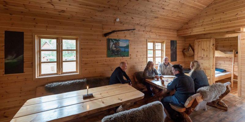 Camp-Tamok-wildernis-cabin-Tromso-Noorwegen