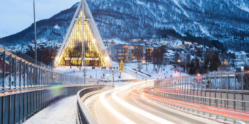 Het-IJszeekathedraal-van-Tromso