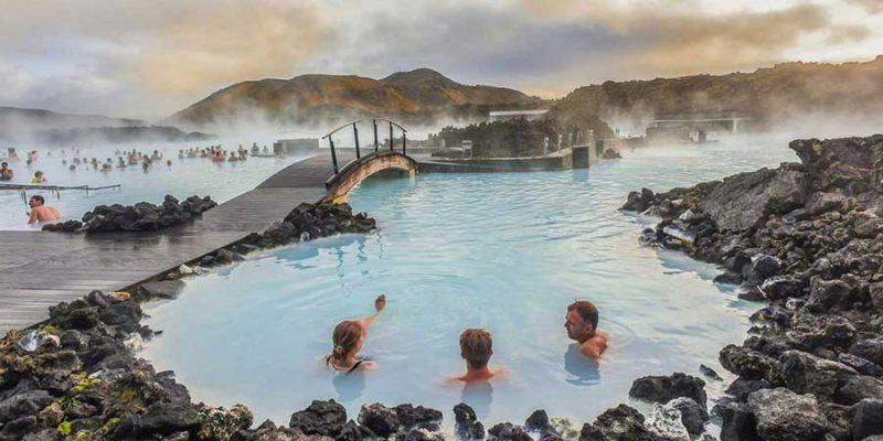 IJsland-baden-in-de-blue-lagoon