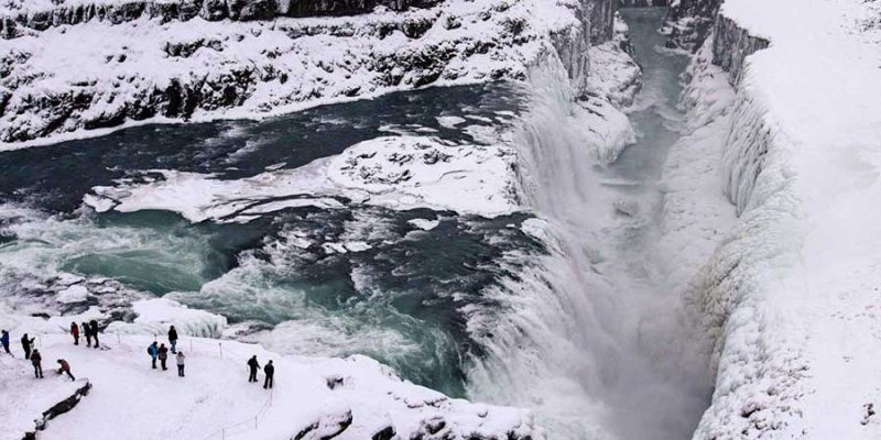 IJsland-gulfoss-waterval-in-de-winter