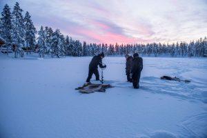 IJsvissen in de prachtige omgeving Northworks Mikael Thörnqvist