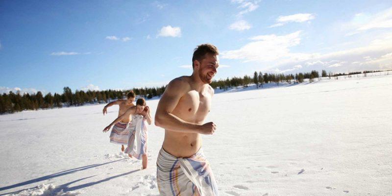 Na-de-sauna-in-de-sneeuw-rennen
