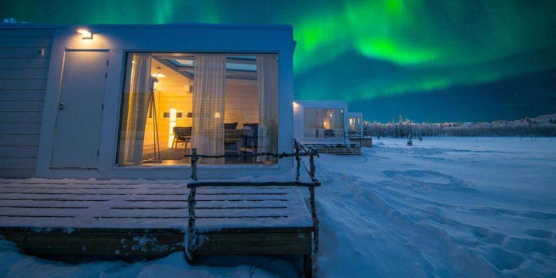 Noorderlicht-boven-de-Aurora-Suites-van-de-Aurora-Mountain-Lodge