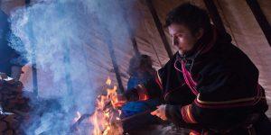 Sami-cultuur-Lapland-koken-in-de-lavvu