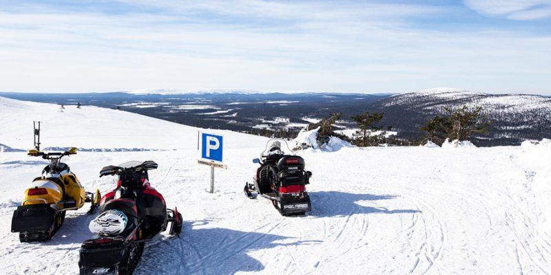 sneeuwscootertocht in Levi Fins Lapland