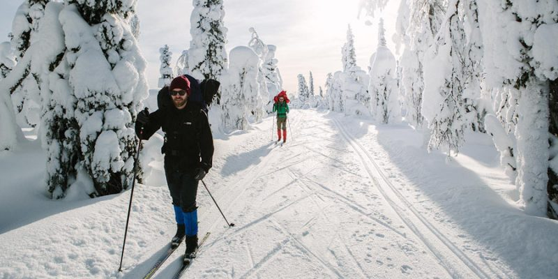Langlauf ski in Finland in de winter