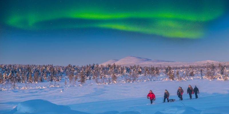 noorderlicht tijdens wandeling in prachtige natuur van Zweeds Lapland