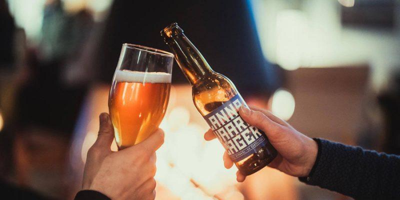 Biertje-drinken-tussen-collega's