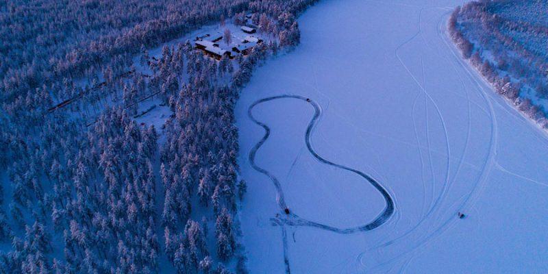 Kleine-lodge-in-de-zweedse-natuur