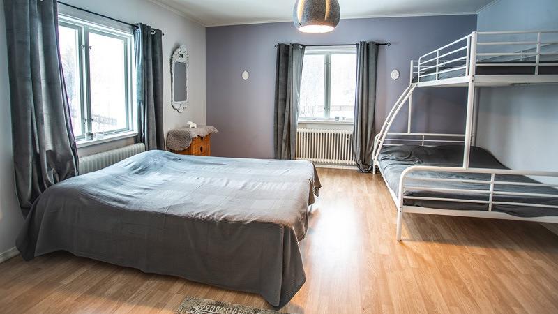 Slaapkamer-in-appartement-Ründe-in-Fururdal-Zweden