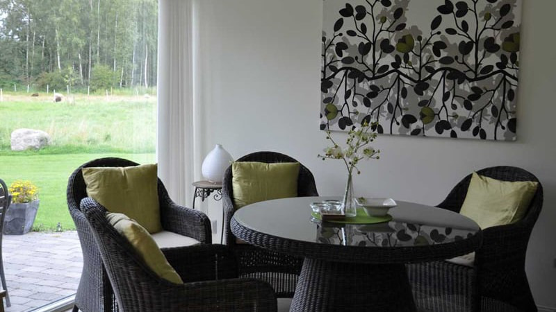 eetkamer-vakantiehuis-Stugan-Hjortsby-Torp-Zweden