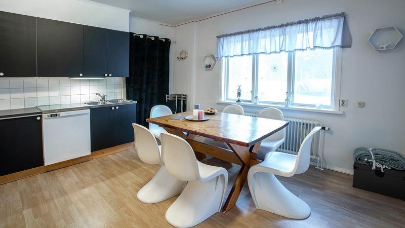 keuken-in-appartement-Ründe-in-Fururdal-Zweden