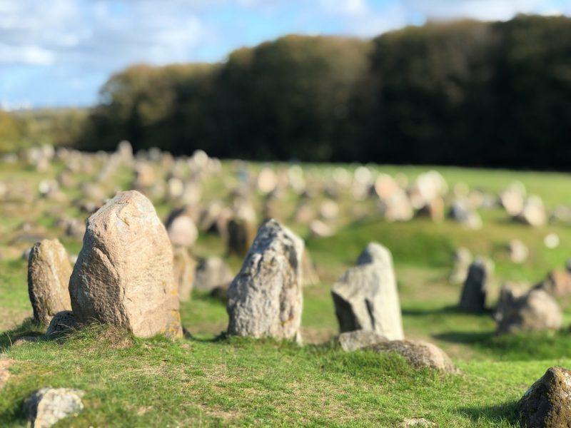 Vikingbegraafplaats Lindholm Høje - naar Denemarken met Nordic