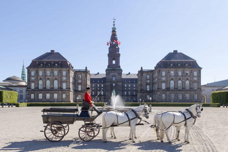 Koets aan het Cristiansborg kasteel - naar Denemarken met Nordic - ©Mikkel Groenlund