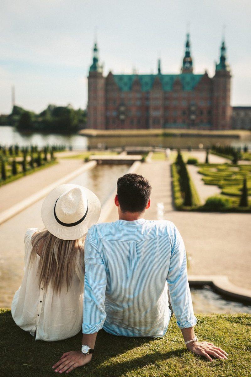 Koppel aan het Frederiksborg Kasteel - naar Denemarken met Nordic -© Mark Gray