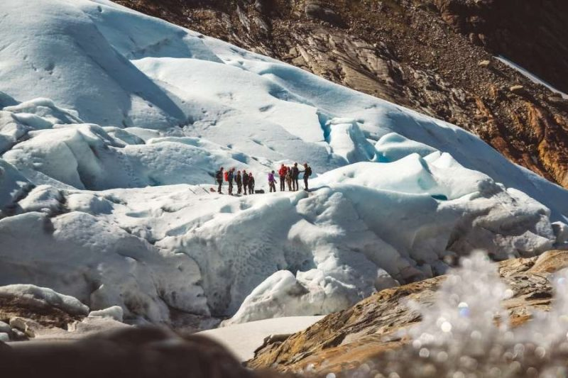 groep wandelt op Groenland