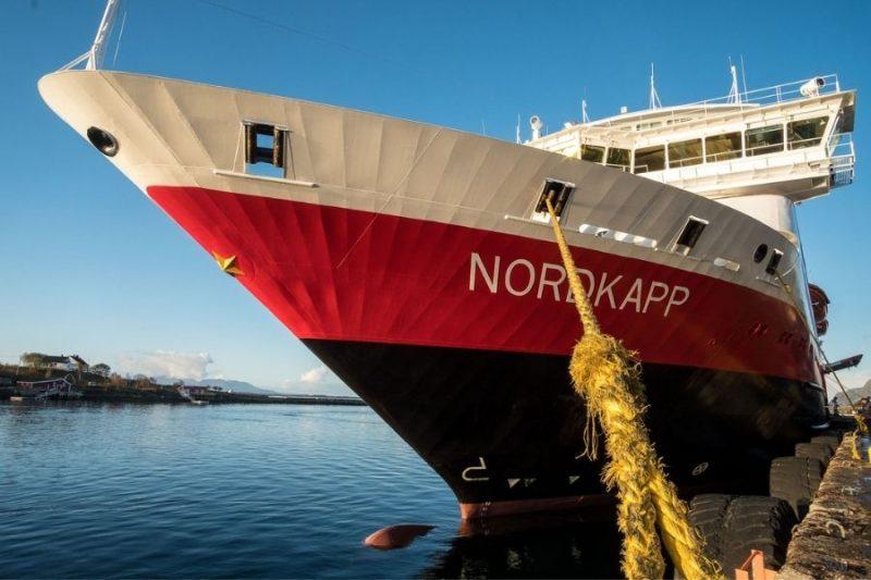 MS Nordkapp van aan wal