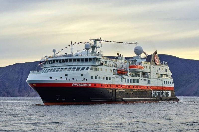 MS Spitsbergen op zee