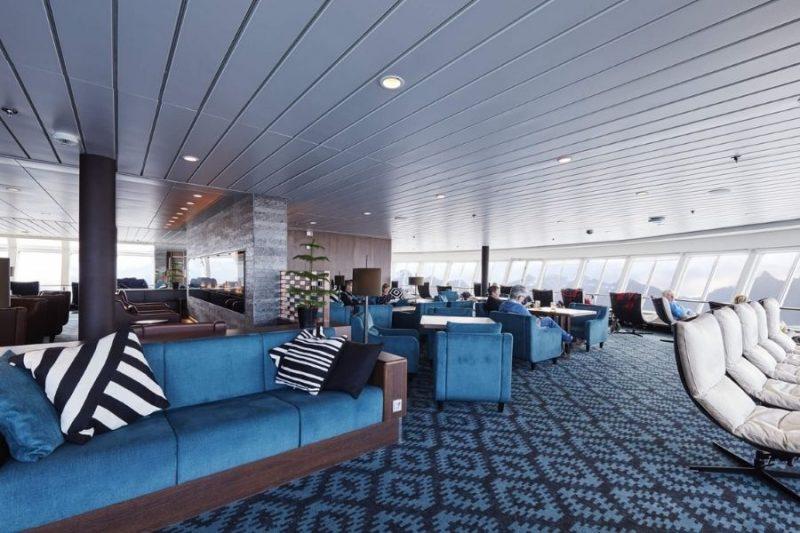 Moderne lounge aan boord