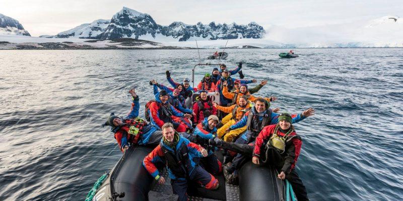Het enthousiaste expeditieteam vertelt je alles over de fauna en flora tijdens de reis.