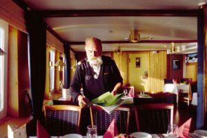 Bediening in het restaurant van MS Nordstjernen