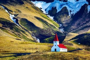 Icelandic Kerk in Vik in IJsland reizen met Nordic