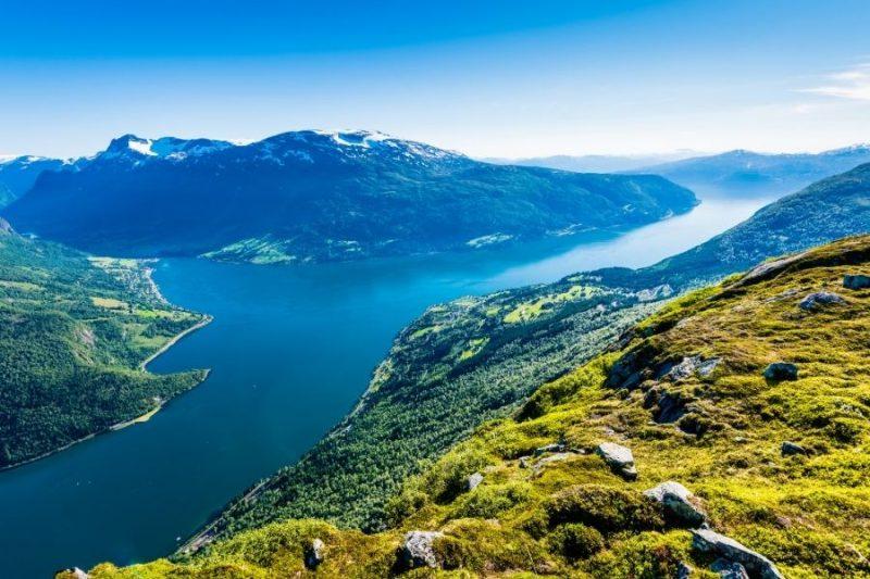 Met de Loen Skylift ontdek je prachtige uitzichten bij de Nordfjord.