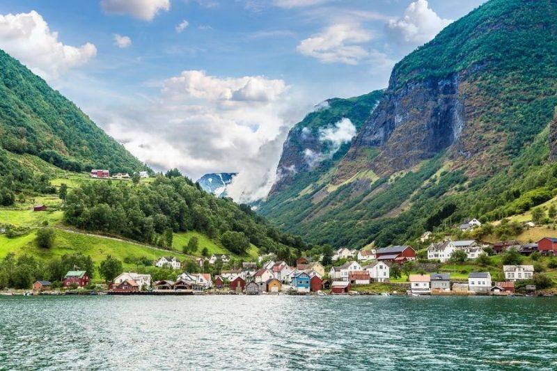 Pittoreske dorpjes aan het Sognefjord