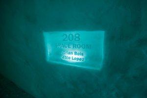 Naam van een kamer op bordje van ijs - ©Northworks Mikael Thörnqvist