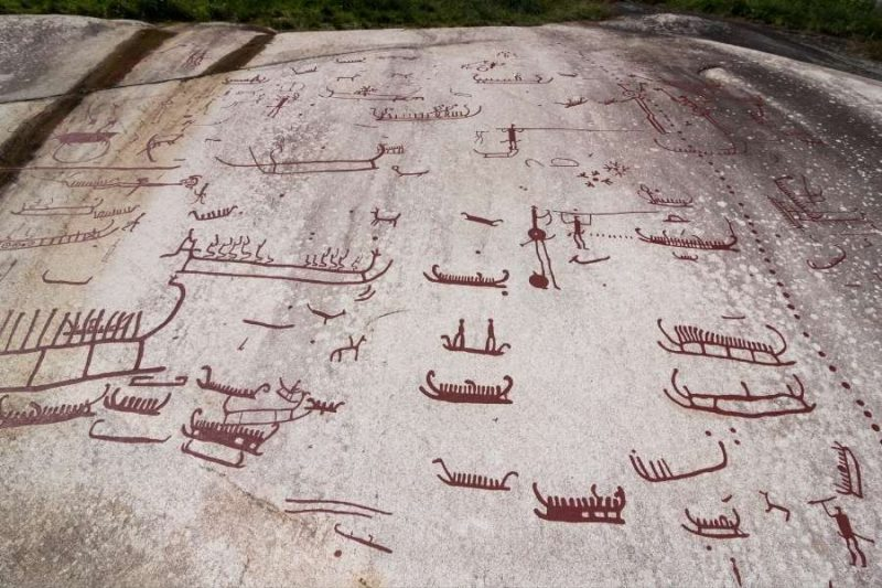 Rotstekeningen van Tanum - reizen met Nordic