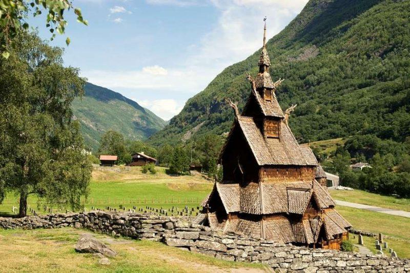 Staafkerk van Borgund in Noorwegen - met Nordic