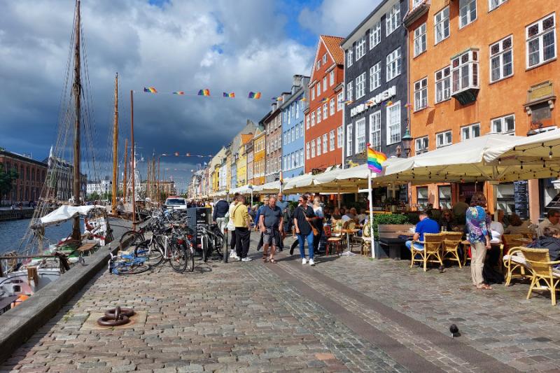 Gekleurde huizen aan de Nyhavn in Kopenhagen