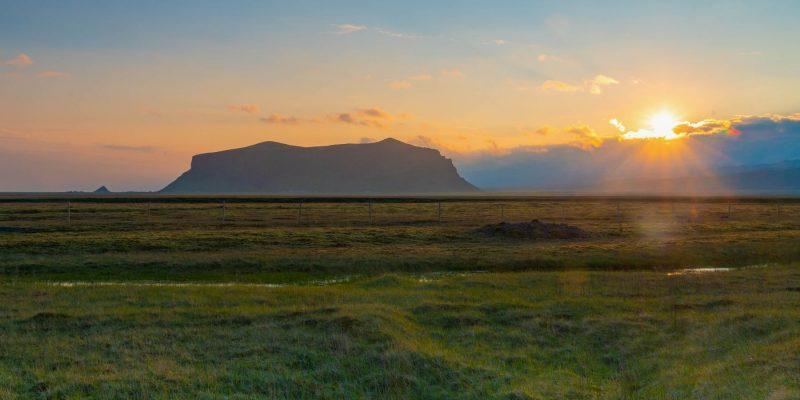Prachtige zonsondergang op IJsland.